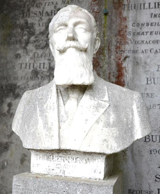Buste de l'industriel Paul Thuillier ( 1871-1926), maire, conseiller général, sénateur