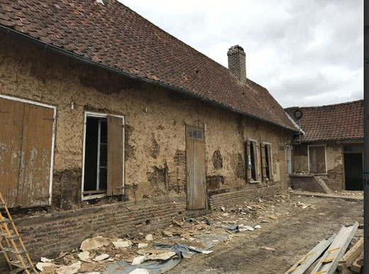 Domqueur: Ferme en torchis avant la transformation en mairie-Ph: Jacques Fouré