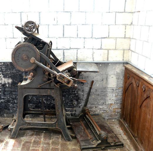 Machine à imprimer par typographie. Constructeur: J. Voirin-Paris