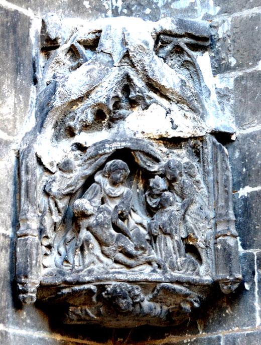 Descente de croix sur les murs extérieurs de l'église Saint-Germain à Amiens
