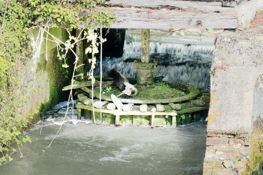 Le moulin d'Heilly avec sa roue horizontale