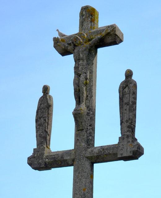 Un calvaire à Beuvraignes près de l'église