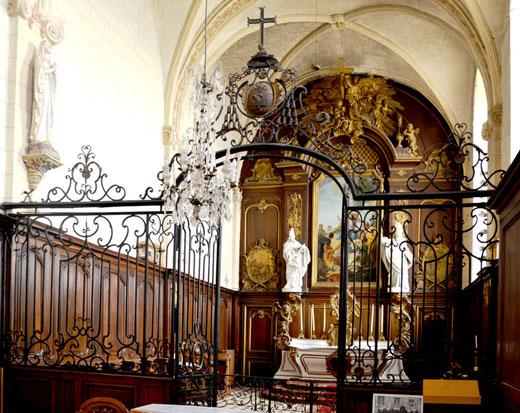 La grille qui sépare le choeur de la nef- Chapelle de l'Hôtel-Dieu à Saint-Riquier