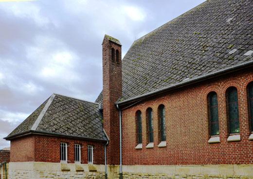 La cheminée de l'église de Bouvincourt-en-Vermandois