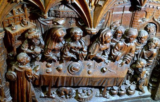 Les noces de Cana représentées dans les stalles de la Cathédrale
