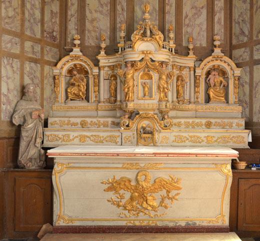Le maître-autel de l'église de Montonvillers