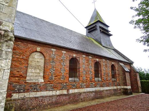 Mur latéral de l'église de Caulières- Photo: Catherine Houdant