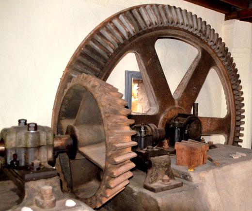 Les roues du moulin à eau de Bettencourt-Rivière