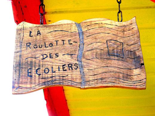 l'enseigne de la roulotte à Longuemort (Tours en Vimeu)- Ph: Gégé d'Oisemont