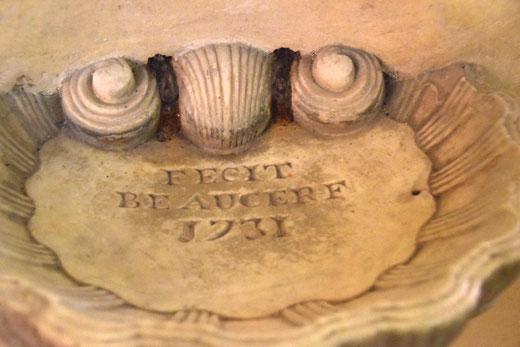 Fait par Beaucerf (sans doute le marbrier) en 1731. Ph: Jean Peuvion
