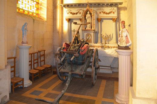 Pompe à incendie dans l'église de Morlancourt