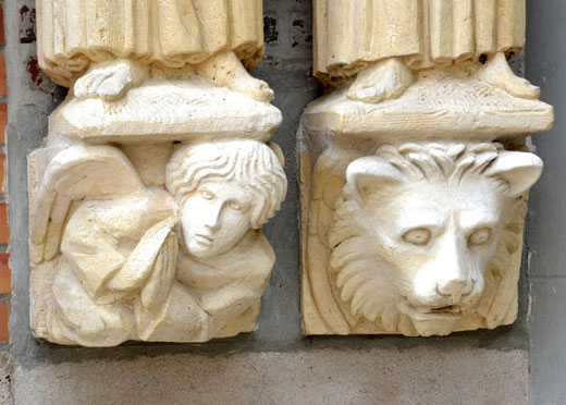Symbole des évangélistes: l'enfant pour saint Matthieu et le lion pour saint Marc