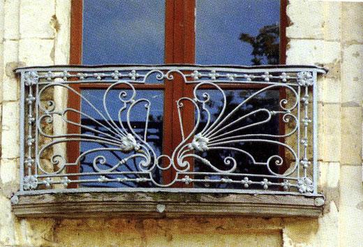 Grille de Veyren sur le petit balcon de la maison du régisseur du château- Photo: Rémy Godbert