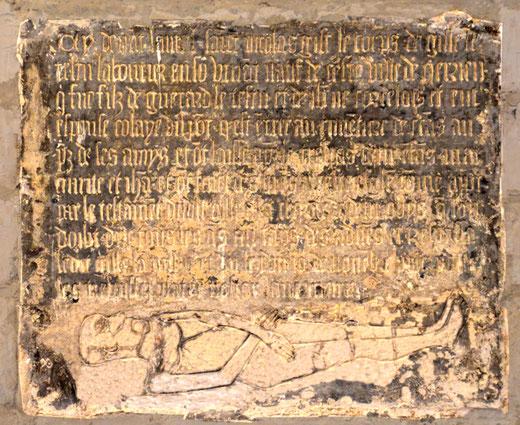 Inscription funéraire de Gilles le Testu, laboureur: église de Querrieu