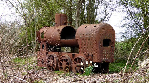 Saint-Valery: tout près de la locomobile, cette locomotive des années 1930- Ph: Annie Séry
