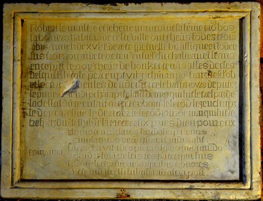 Plaque funéraire dans l'église de Becquincourt (commune de Dompierre)