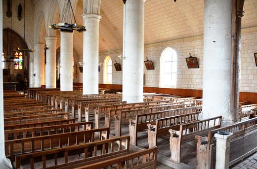 Bancs à claire-voie de l'église de Naours