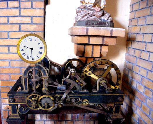 Eglise de Rouy-le-Petit: le mécanisme de l'horloge