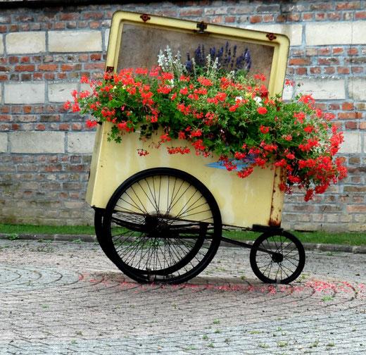 L'ancienne voiture postale à Molliens-Dreuil- Photo: GG d'Oisemont