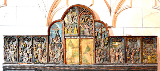 Le retable classé de l'église de Vers-sur-Selle autrefois encastré dans les lambris de l'abside. Classé en 1904.