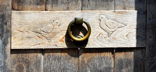 Liomer: Un simple heurtoir avec sa décoration