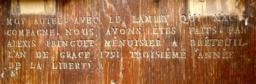 Inscription au dos de l'autel de l'église de Rogy