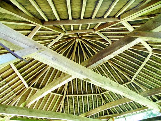 La charpente du manège au château de Pissy- Phoro: Rémy Godbert