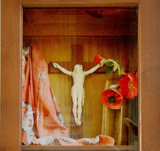 Le christ en ivoire dans l'église de Pozières