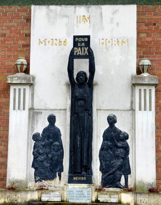 Le monument aux morts de Devise
