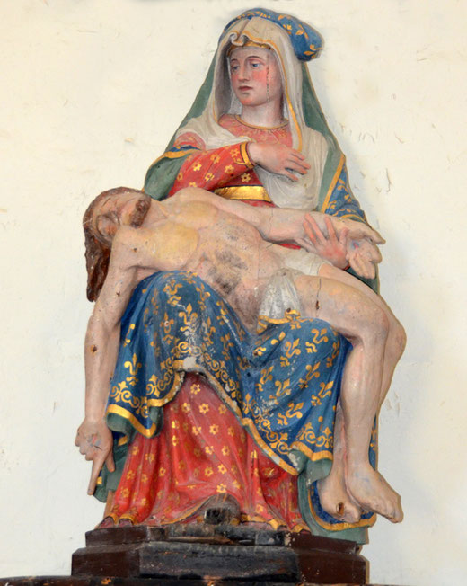Vierge de Pitié dans l'église de Friaucourt