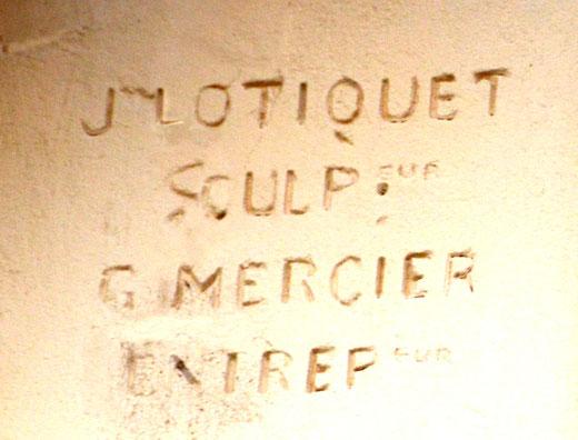 Signature du sculpteur et de l'entrepreneur