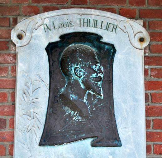 Louis Thuillier- Plaque commémorative fixée sur les murs du Lycée d'Amiens qui porte son nom