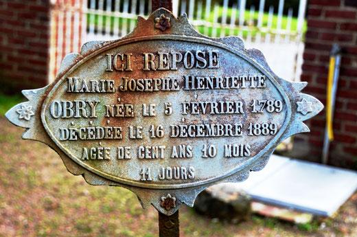 Cimetière de Bouvincourt-en-Vermandois.