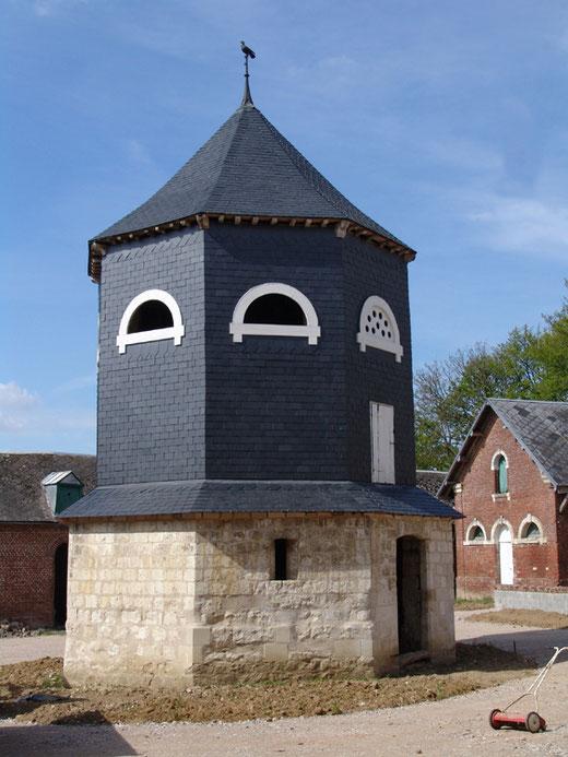 Le pigeonnier de la ferme du château à Beaucourt-sur-l'Hallue