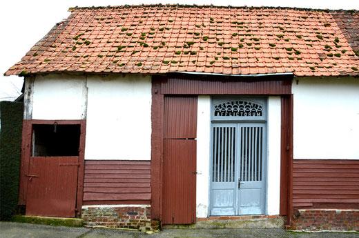 Busménard: Chapelle dédiée à Notre-Dame des affligés