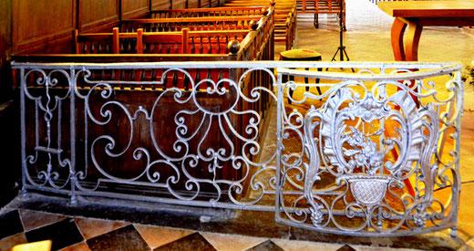 Les grilles du choeur de l'église d'Agenvillers