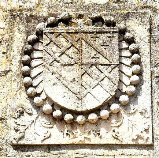 Blason sur la façade de l'église d'Eterpigny-Photo: Rémy Godbert