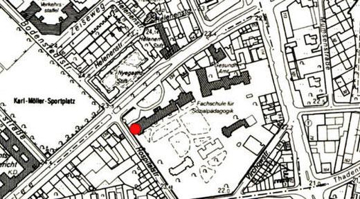 Das Altonaer Stadtarchiv ist über den Seiteneingang des ehemaligen Krankenhauses Altona an der Ecke Max-Brauer-Allee / Hospitalstraße (siehe schwarzen Punkt) zu erreichen. Dazu müssen Sie um eine graue Mauer herum. Dort befindet sich eine Schranke ...