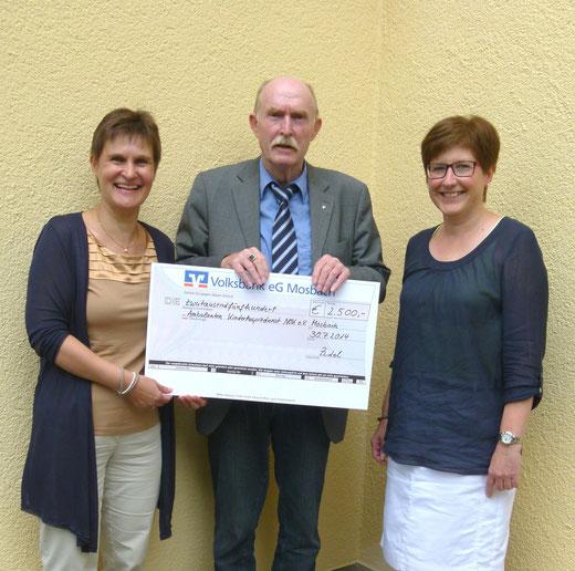 2500 Euro für den Kinderhospizdienst: Vorsitzender Jürgen Kriege sagte Dank für diese Spende des SI Clubs Mosbach
