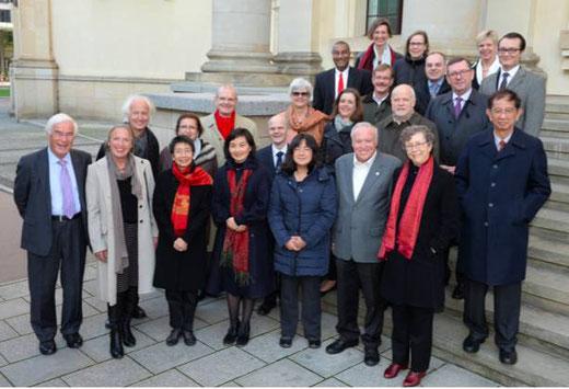 洪堡基金会国际顾问委员会成员及基金会领导合影