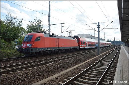 182 021-6 steht am 16. August 2014 mit S-Bahn in Pirna Hbf.