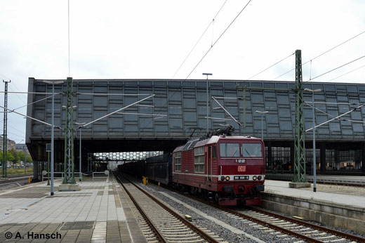 In Chemnitz zählt die BR 180 definitiv zu den Raritäten. Am 1. September 2014 konnte 180 006-9 im Hbf. an einem Autoleerzug festgehalten werden