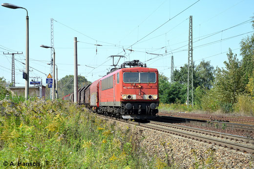 Am 18. September 2014 gab es in Leipzig-Thekla einige 155er zu sehen. Eine davon ist 155 107-6 mit gemischtem Güterzug