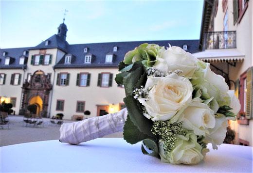 freie Trauung Schloss Bad Homburg Trauung Schlosskapelle freie Trauung Bad Homburg im Schloss Terrasse Weisser Turm Heiraten Zeremonie Trauredner