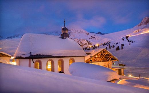 Winterhochzeit freie Trauung Kühtai Jagdschloss Stumm Kaltenbach, Winterhochzeit, Berge Schnee, Österreich, Kirchberg in Tirol, Neustift, freie Trauung im Winter, Trauredner, Oberstdorf, Nebelhorn