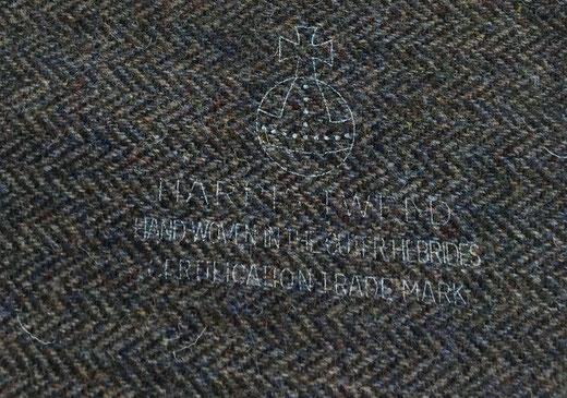 """Das """"Orb Trademark""""-Zeichen auf braunem Harris Tweed"""