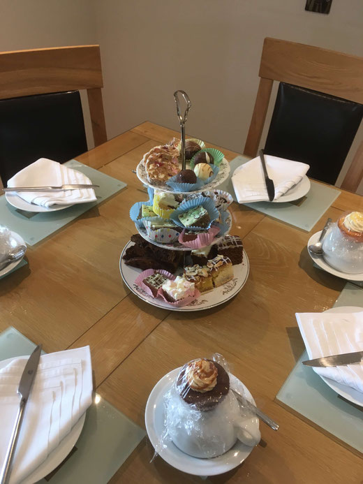 A cake stand full of treats was waiting for us at Abhainn Cottage