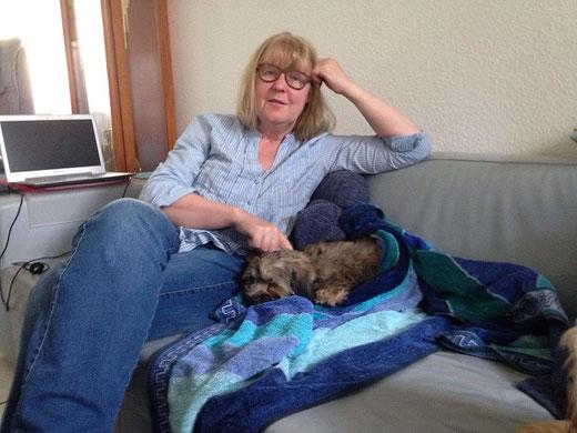 Gemma (Milou) im neuen Zuhause mit Frauchen