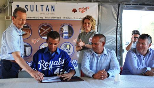 La storica firma di Martens Gasparini per i Kansas City Royals