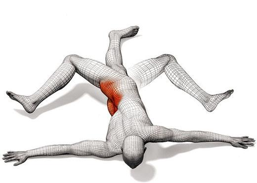 SCORPIONE (Per la parte bassa della schiena, flessori dell'anca e glutei) Da pancia in giù: Calciare il piede destro verso il braccio sinistro e poi il contrario.Considerato che è un esercizio impegnativo, iniziate con calma, e ripetere fino a 12 volte.